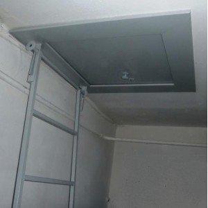 Противопожарный люк на чердак с приставной лестницей