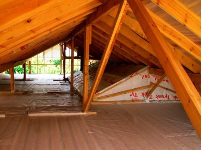 Подготовительные работы по утеплению чердака частного дома минватой